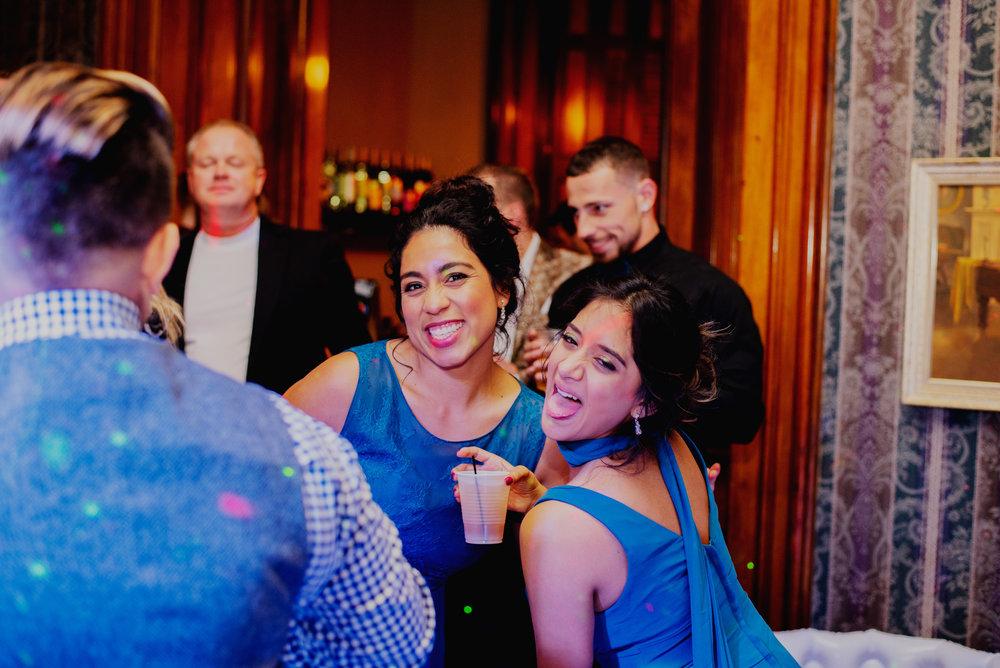 Moreno-Briskey-Renwick-Mansion-Iowa-Wedding_0188.jpg