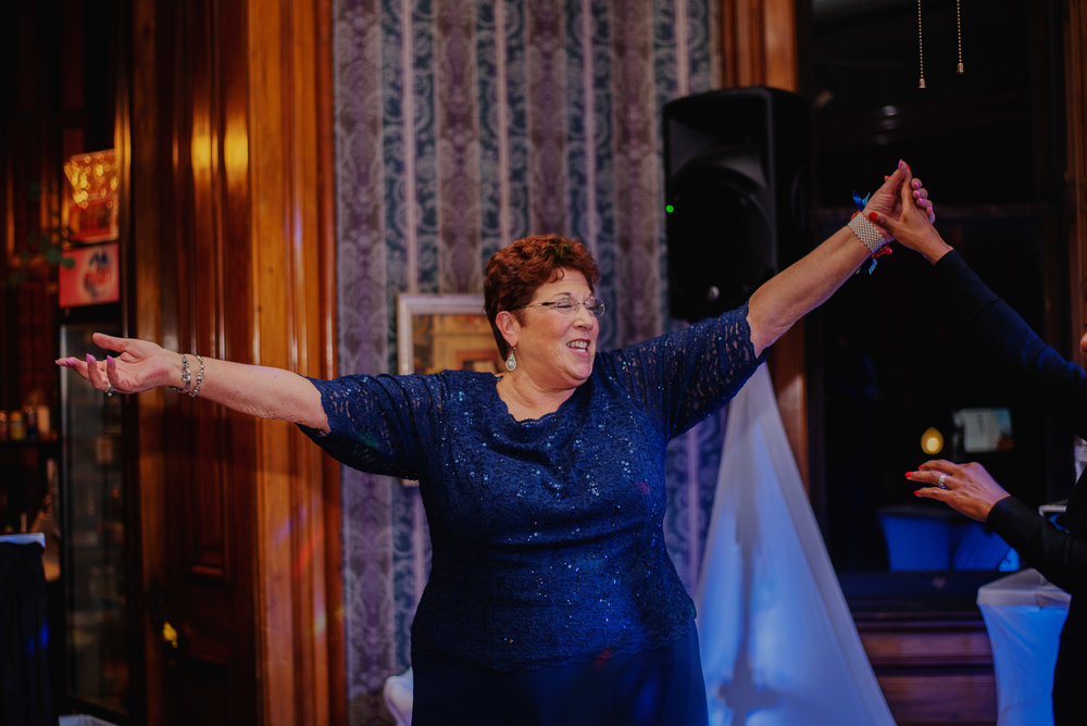 Moreno-Briskey-Renwick-Mansion-Iowa-Wedding_0198.jpg