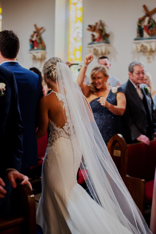 Damm-WaterfallGlen-DinolfoBanquet-Wedding_0061.jpg
