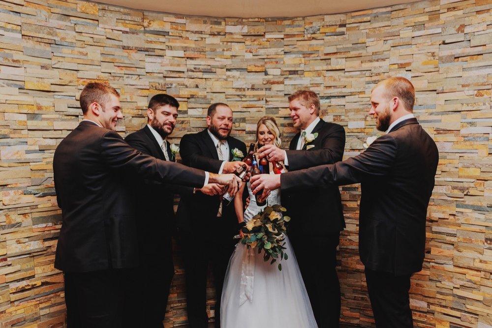020_Peterson-Villa-Olivia-Bartlet-Wedding_0022.jpg