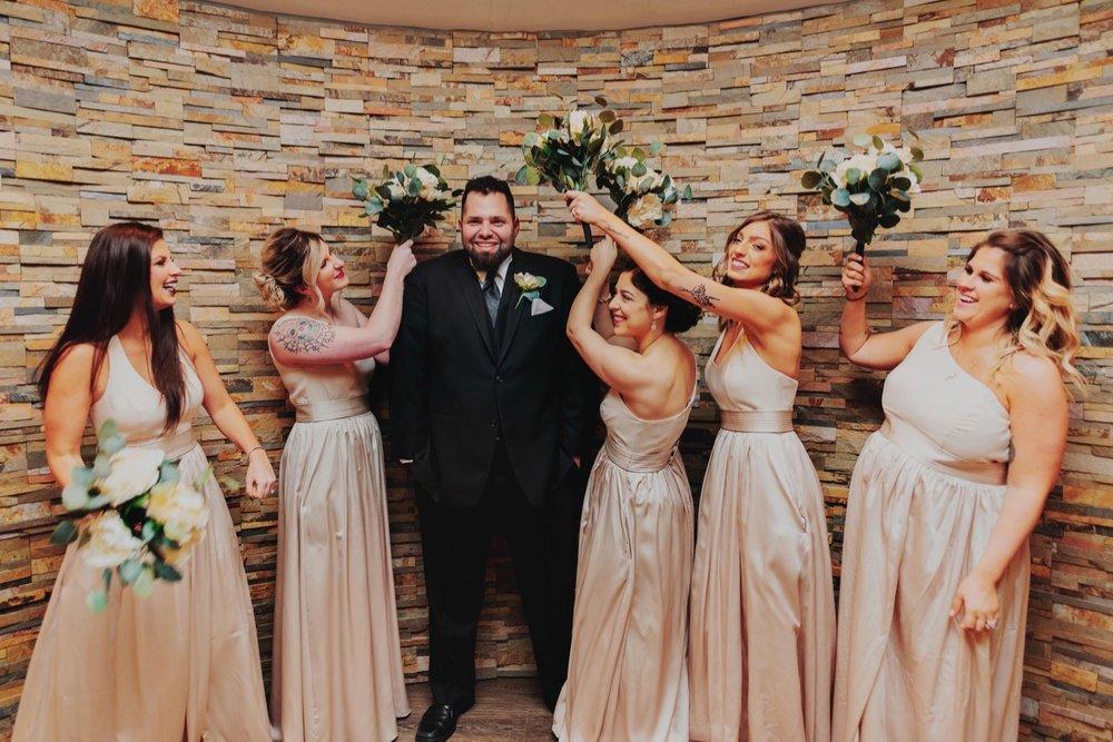 022_Peterson-Villa-Olivia-Bartlet-Wedding_0024.jpg