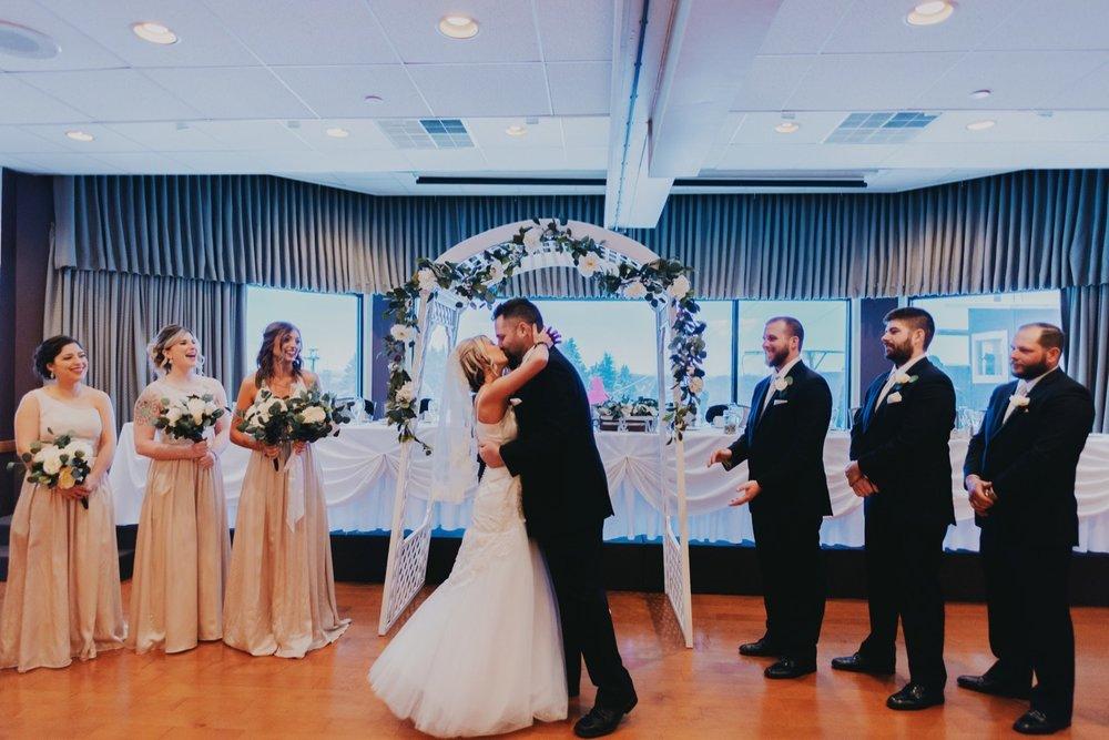 041_Peterson-Villa-Olivia-Bartlet-Wedding_0055.jpg