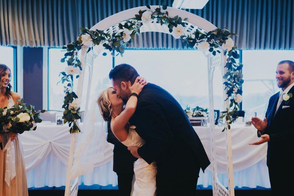 042_Peterson-Villa-Olivia-Bartlet-Wedding_0056_villaoliviawedding.jpg