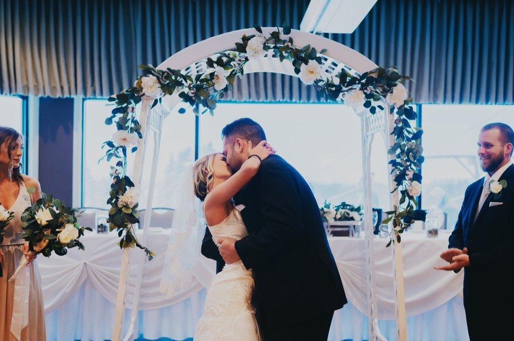 043_Peterson-Villa-Olivia-Bartlet-Wedding_0057.jpg
