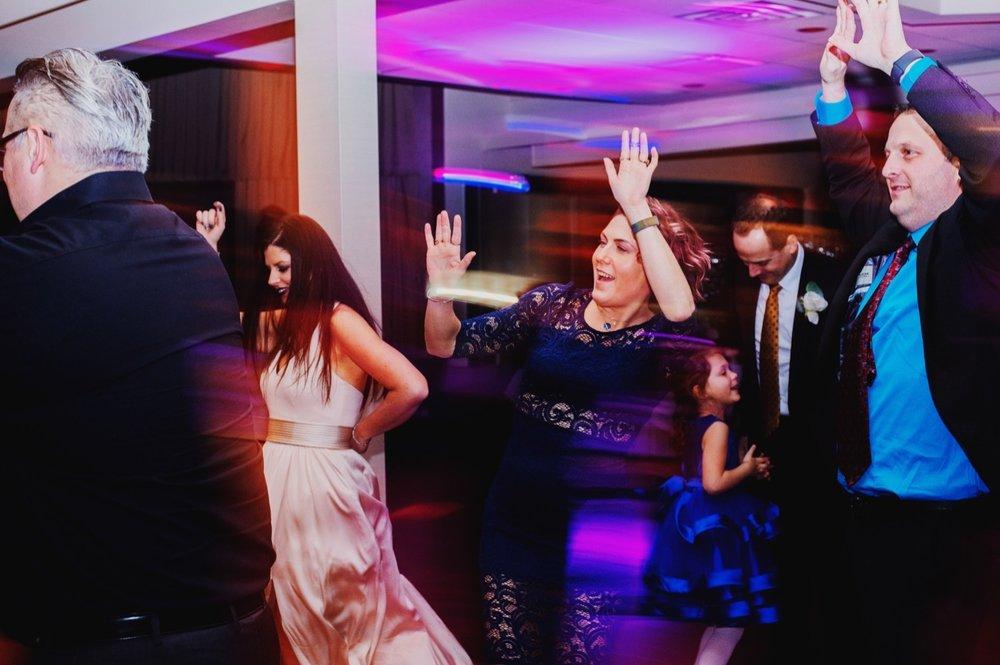 085_Peterson-Villa-Olivia-Bartlet-Wedding_0120.jpg