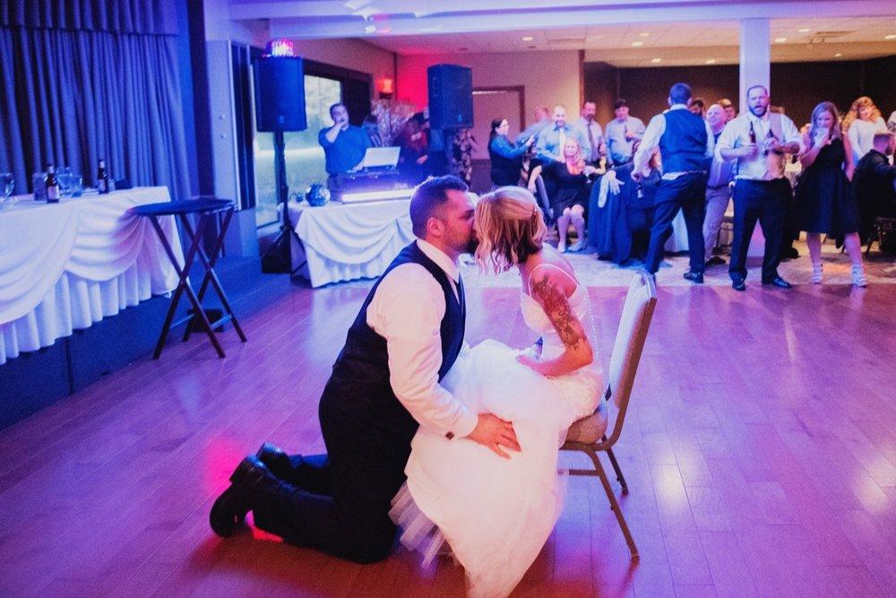 098_Peterson-Villa-Olivia-Bartlet-Wedding_0146.jpg