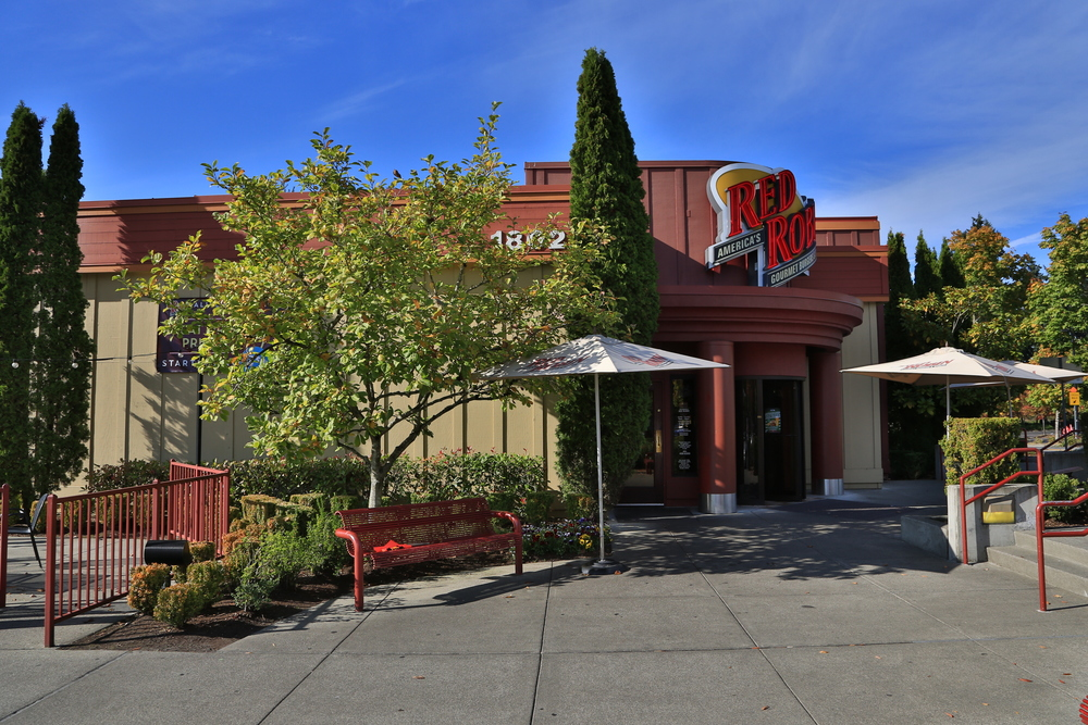 DTW - Downtown Woodinville - Red Robin #1.JPG