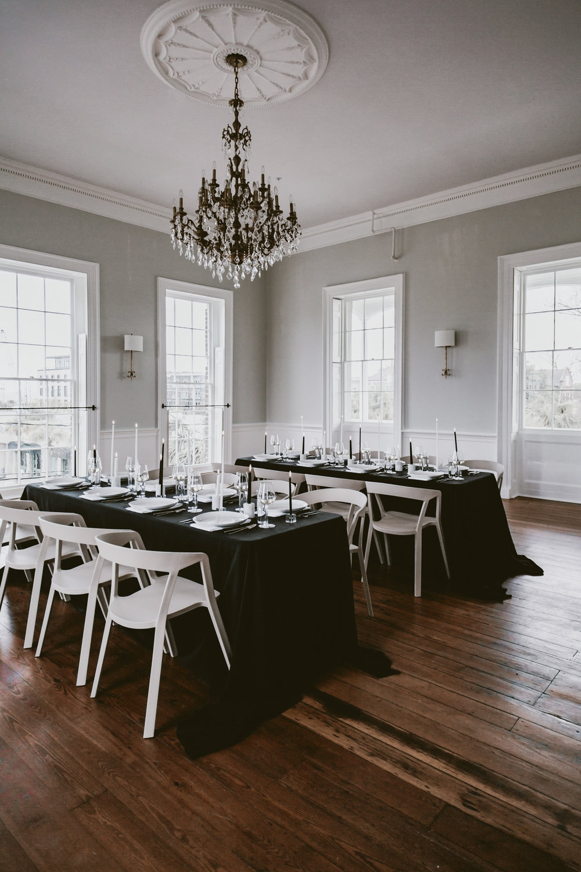 12th Table GADSDEN HOUSE Winter Table Design CHARLESTON