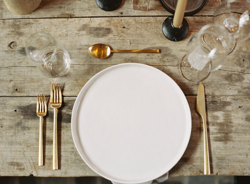 12th Table-Bloomsbury-Farm-WILLIAMS-SONOMA-Dinner-Party-Thanksgiving-HENRIETTA-RED2.jpg