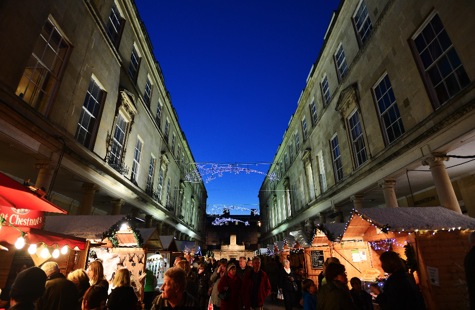 shopping-in-bath-at-christmas