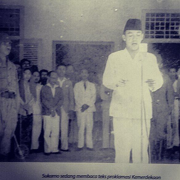 Indonesia Djaman Doeloe telah bangkit dari penjajahan. Bagaimana dengan sekarang, sudahkah kita bebas dari segala penjajahan? . . . #indonesiaku #negeriku #merdeka