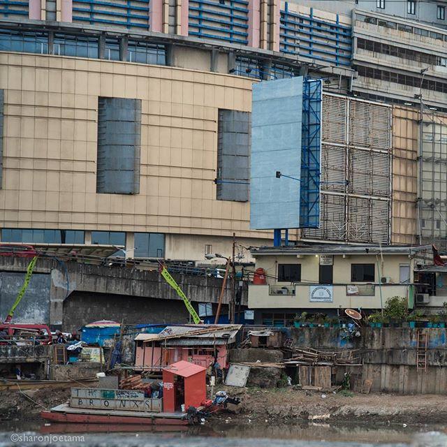 The Bronxs in Jakarta . . #roxy #jakarta #color #travelphotography  #indonesia