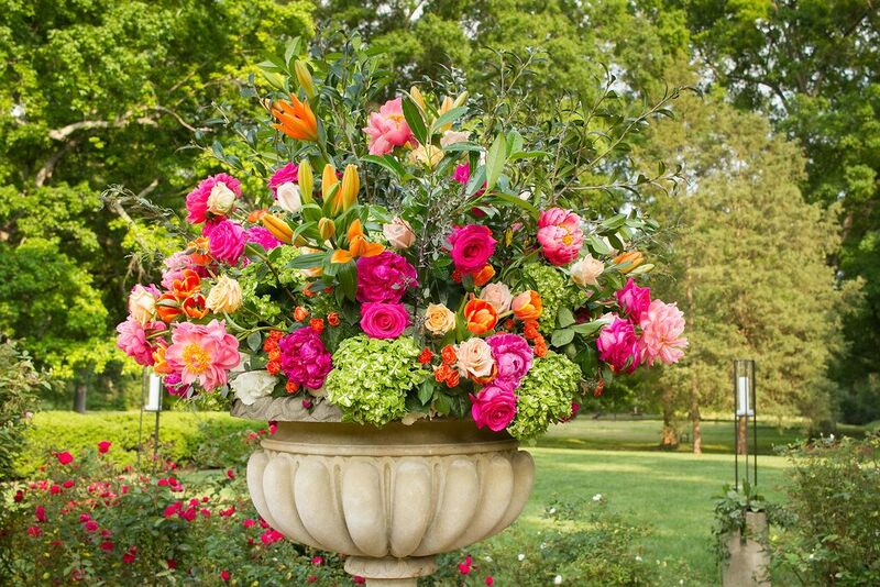 The classic urn in the museum's rose garden was filled with a lush arrangement.