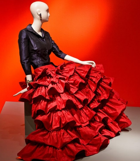 The Glamour & Romance of Oscar de la Renta  exhibit at the Mint Museum Randolph has been extended through August 19.