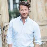 Interior designer Nate Berkus has a relaxed American style.