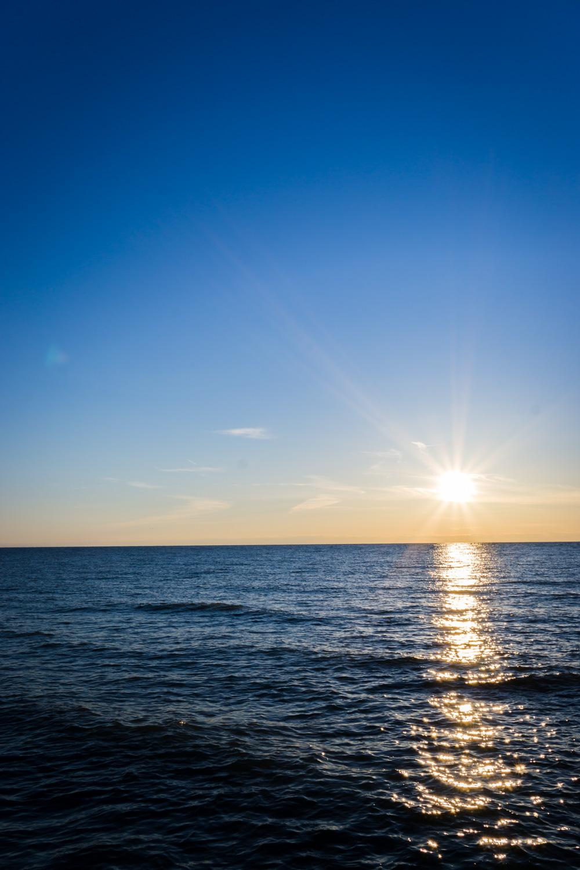 Setting sun on Lake Michigan's horizon