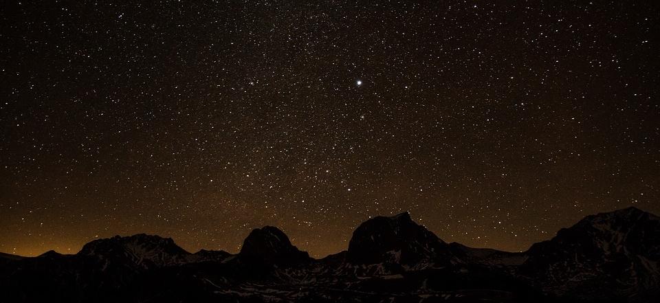 starry-sky-1946933_960_720.jpg
