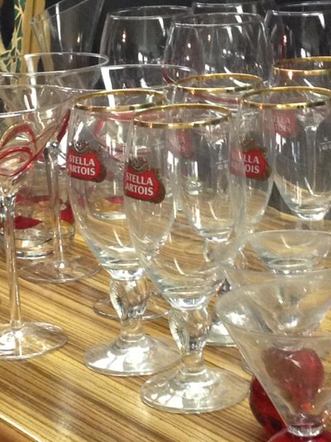 Stella Artois Footed Stemware #Vintageredwhiteandbooze