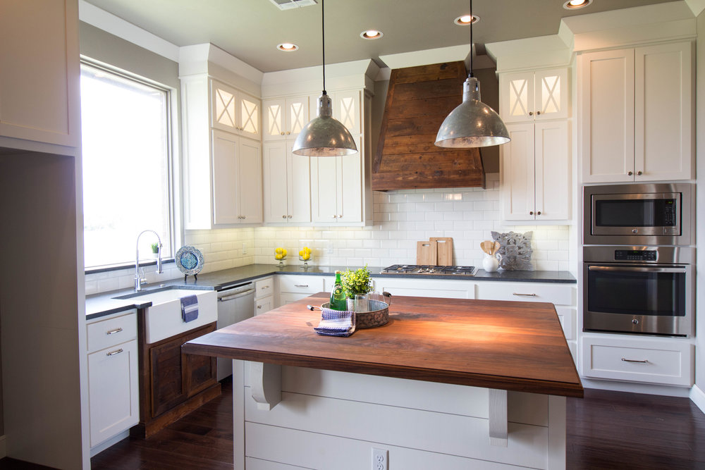 Remarkable Spaces Home Staging - BL Farmhouse Kitchen.jpg