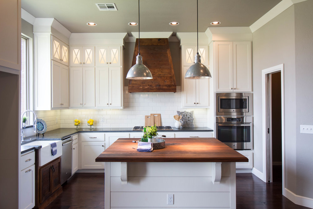 Remarkable Spaces Home Staging - BL Farmhouse Kitchen-2.jpg