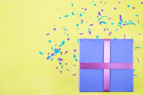 bright-gift-box_925x.jpg