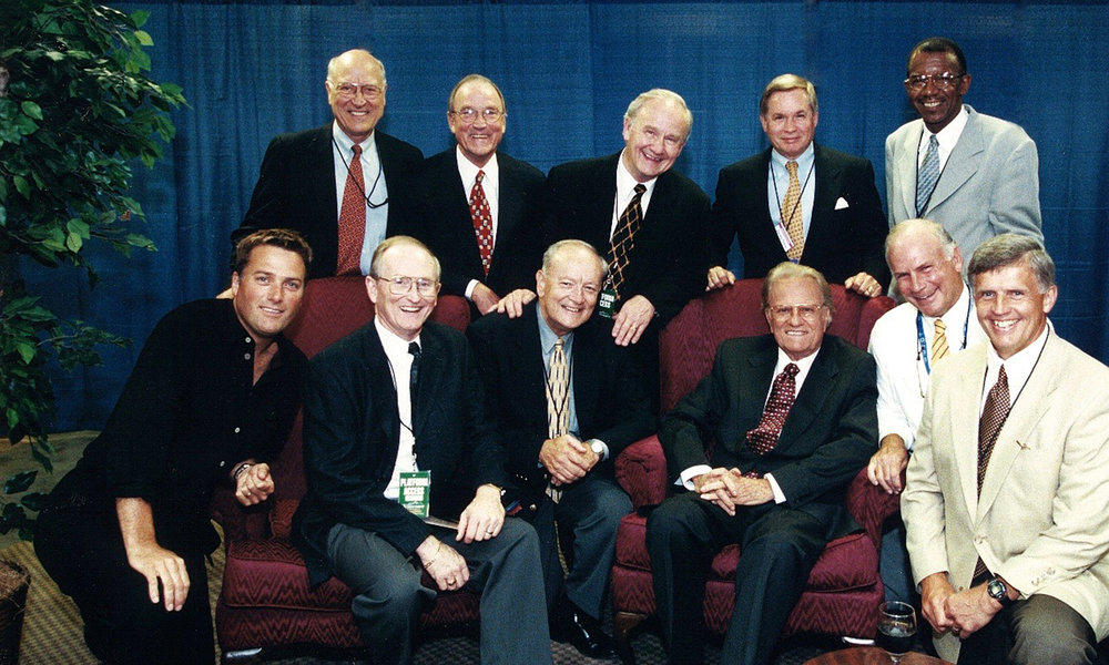 2000 Billy Graham with Crusade prayer group.