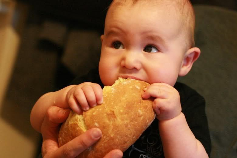 Is this garlic bread? I frickin' love garlic bread!