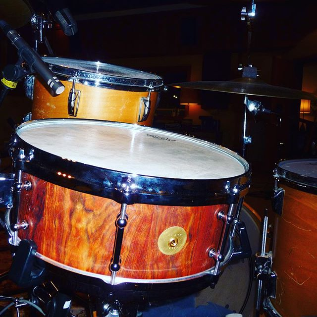 Recording #minerdrums Snare No. 0006. Sounds absolutely fantastic!! #drums #recording #studio #snaredrum #drums #remo #trickdrums @remopercussion