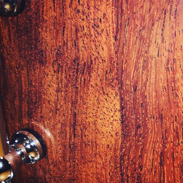 Closeup of the bubinga wood grain of #minerdrums Snare No. 0005. #drums #drum #snaredrum #snare #snare #drummer #drumming