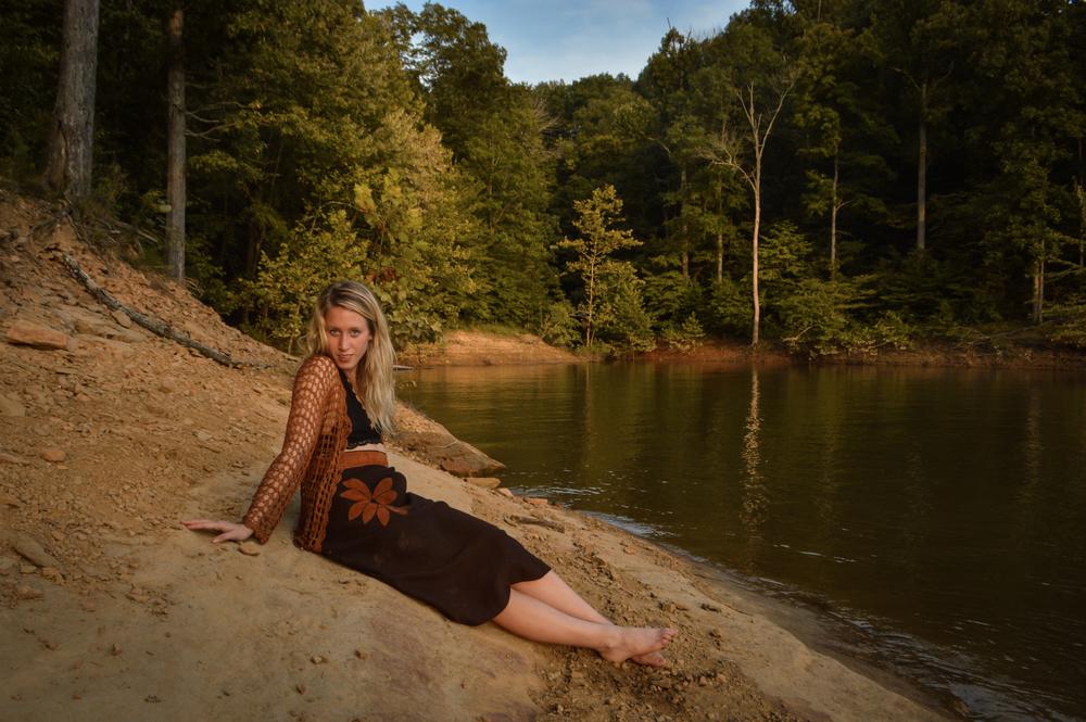 landmaid.jpg