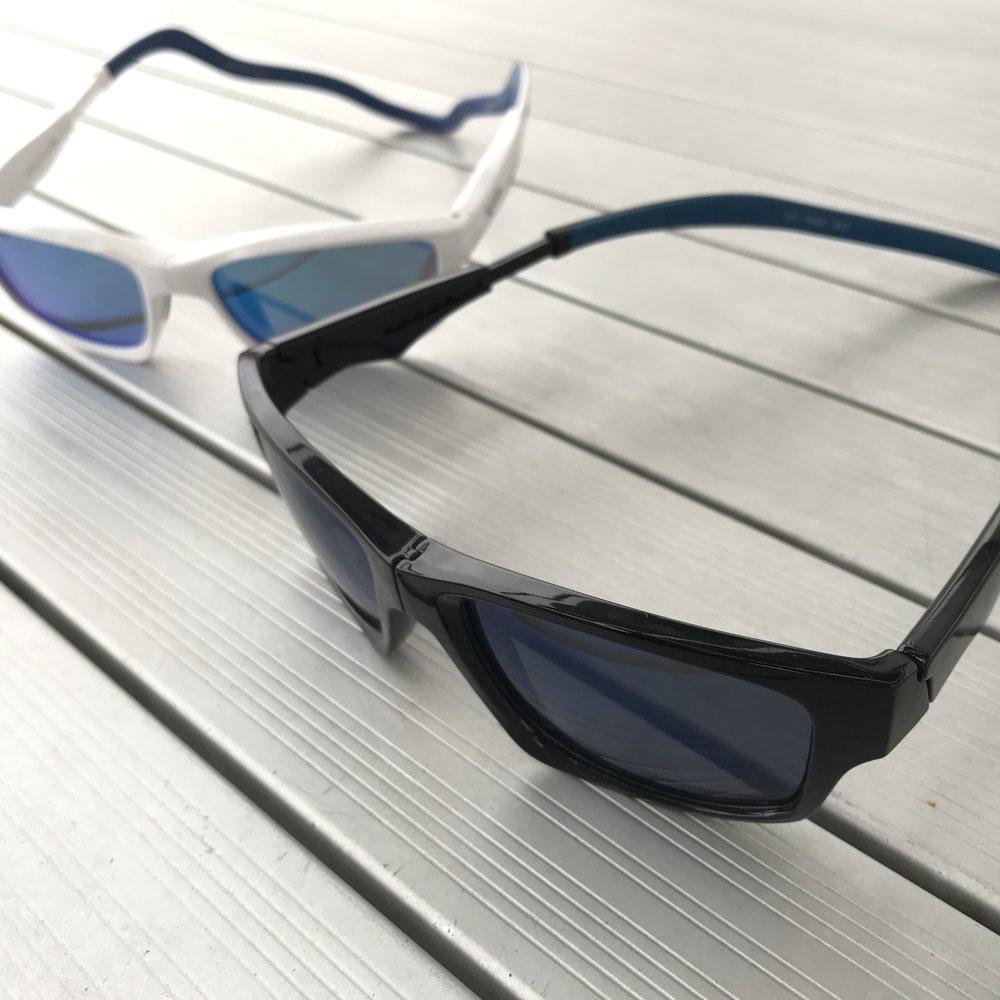 【西班牙SLASTIK】全功能型運動太陽眼鏡  擁有專利可伸縮調整的鏡腳、不變形的橡膠頭帶、可前扣穿戴的鏡框、必且擁有防水、抗污、防塵、100%UV400的濾鏡鏡片等,十分適合各式運動使用,更是水上運動必備單品。