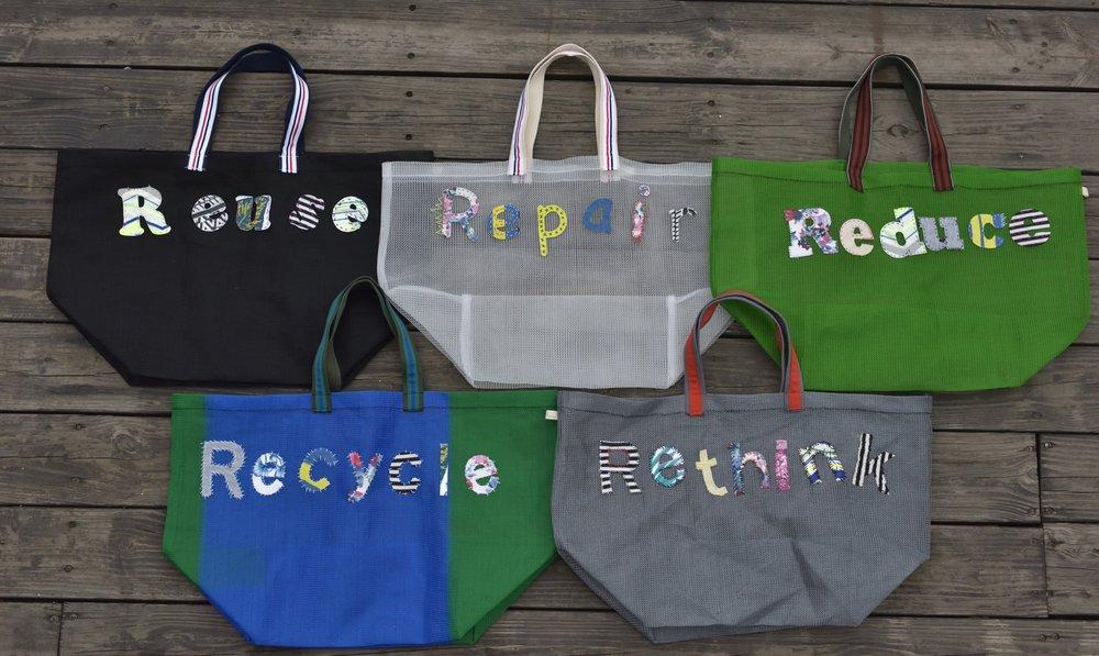 (我們將【儒家LU+】的袋繡上了五個英文單字:Reuse重複使用、Repair修復再使用、Reduce減少使用量、Recycle資源回收、Rethink重新思考)