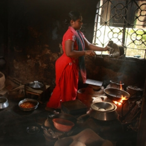 Woman-cooking-2-e1454335774663.jpg