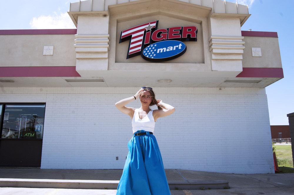Belted blue skirt