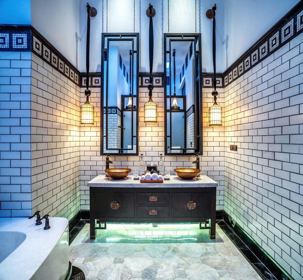 Pool Villa Courtyard luxurius bathroom