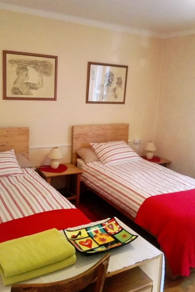 RP4 3 (bedroom 2).jpg