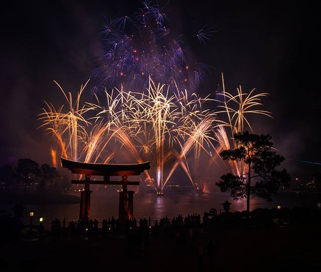 Some Illuminations to from Epcot #epcot #fireworks #sonya99 #sonyalpha #igers_orlando #waltdisneyworld