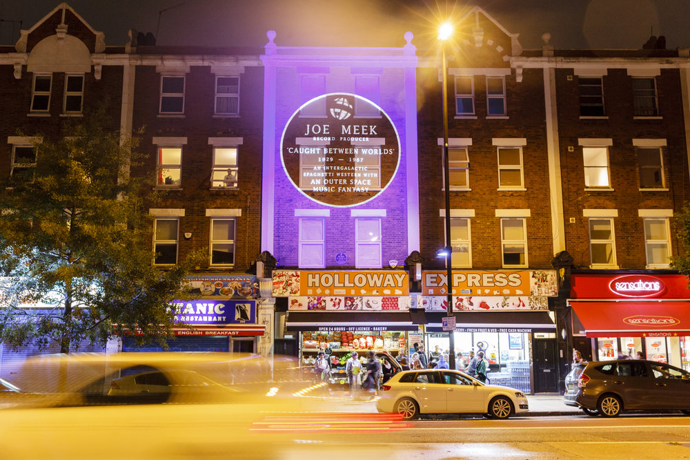 The finale to JM304 was a performance set to the 'I Hear A New World' album culminating in a building projection onto 304 Holloway Road itself. Extracts from the performance and the whole building projection can be seen  here .