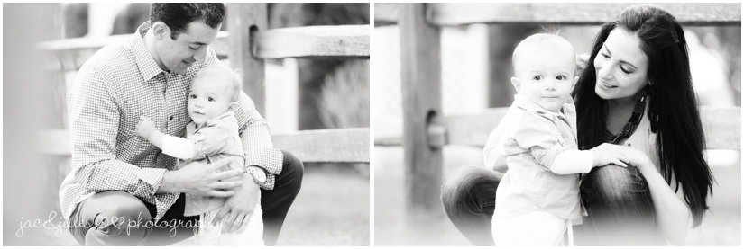 casual fun black and white family photos by jacnjules at beachwood beach in ocean county, nj