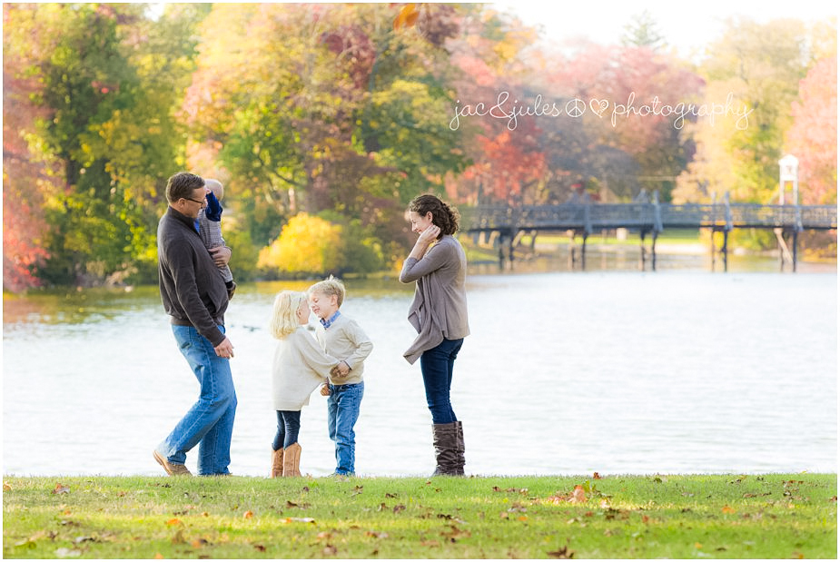 Candid and modern fall family photo by JacnJules at gorgeous Divine Park in Spring Lake, NJ