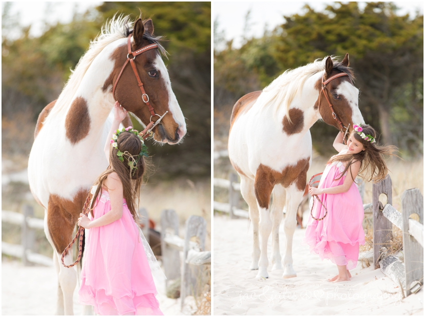 jacnjules photographs boho style children with a horse at island beach state park in a modern way