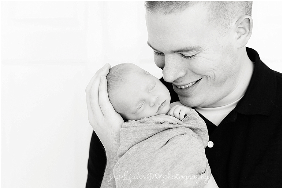 jacnjules photographs first time dad and his newborn baby girl
