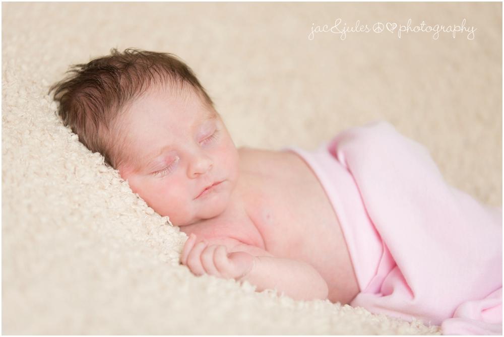 jacnjules photographs a newborn in their home in Roxbury NJ