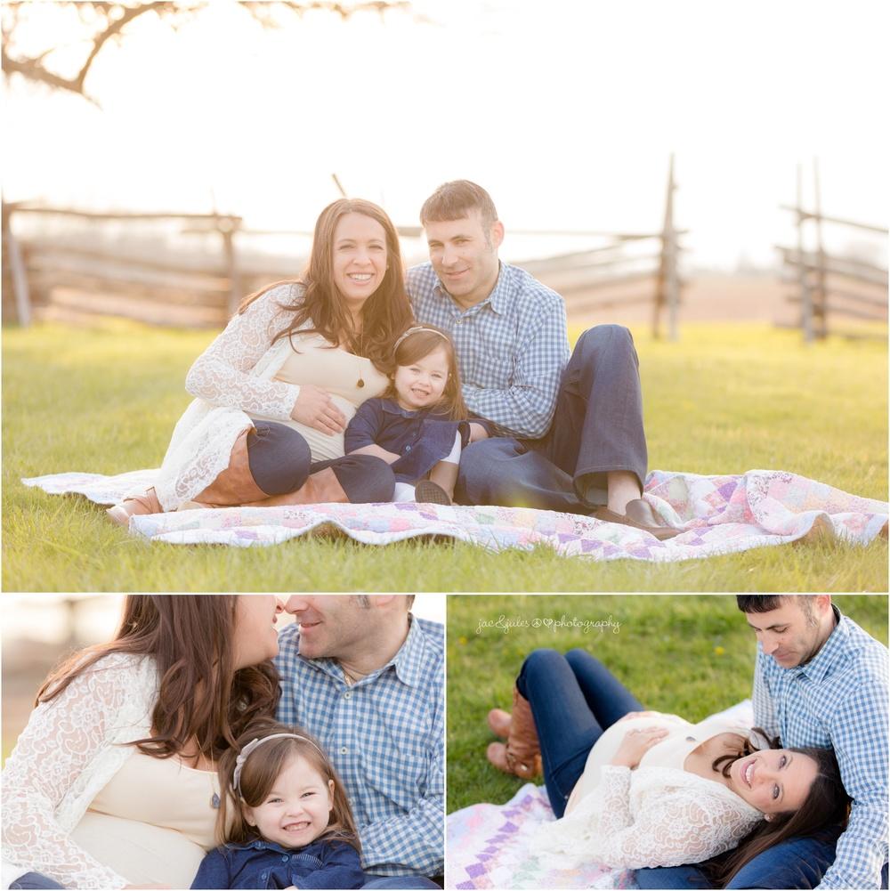 sweet family maternity photos