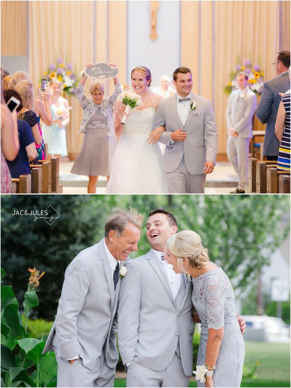 wedding ceremony exit, funny family photo.