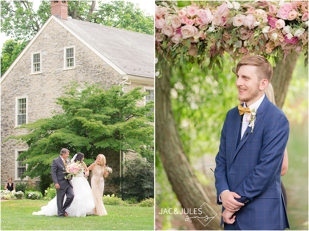 jacnjules photograph a trendy rustic chic barn wedding at the farm at eagles ridge in lancaster, pa