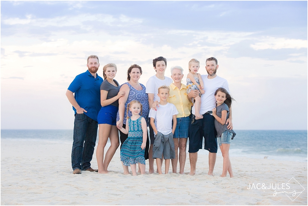 jacnjules takes large family beach portraits in seaside park, nj
