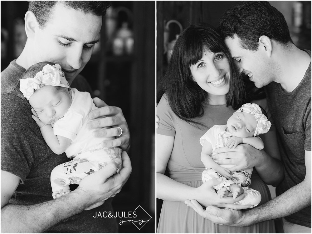 jacnjules takes photos of newborn baby girl and her parents in their home in Middletown, NJ