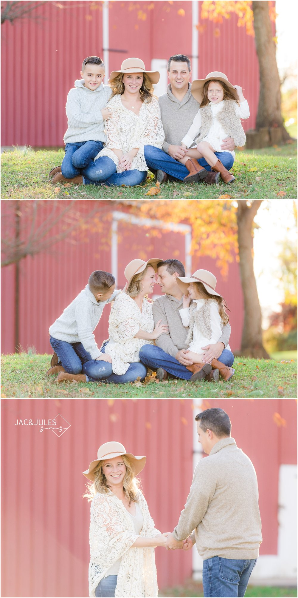 Family photos with red barn at Bayonet Farm in Holmdel, NJ.