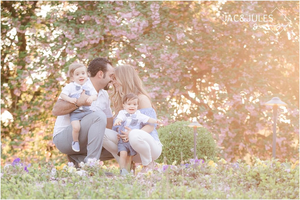 natural light wedding photographer jacnjules photograph family at Ashford Estate in Allentown NJ